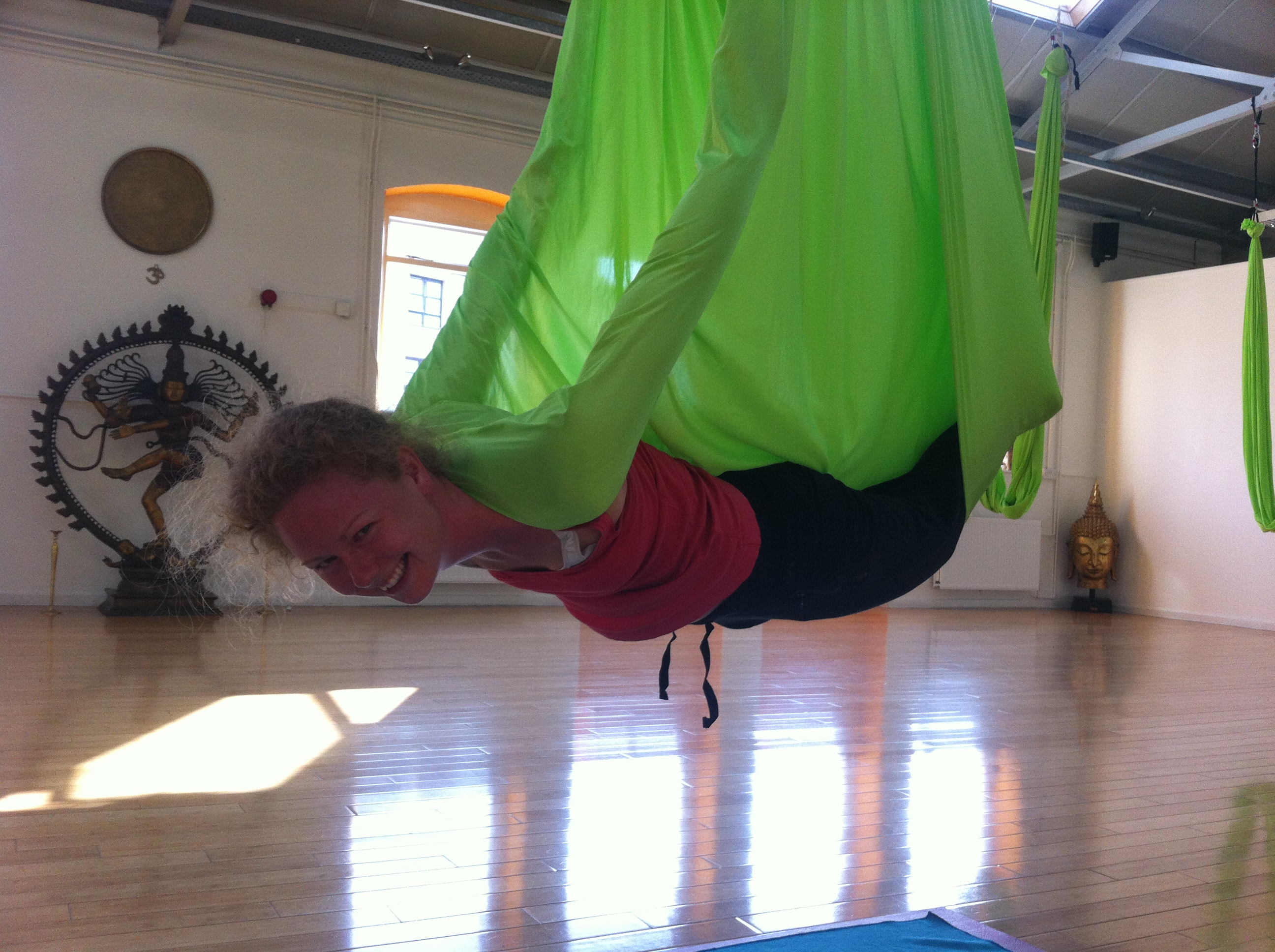 Aerial Yoga Stressmeknot